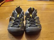 JUMPING BEANS BOYS TODDLER SHOES SIZE 4 NWT