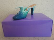 Just the Right Shoe by Raine The Wave #25060 New in Box