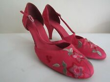 Clarks pink emroidered shoes size 7