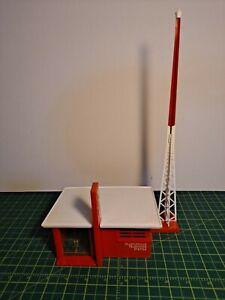 VINTAGE PLASTICVILLE TV TRANSMITTING STATION (#1618), RED SIDES, WHITE ROOF