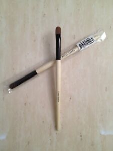 BOBBI BROWN Cream Shadow Brush  in sealed packaging (Discontinued)