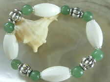 Elegantes weiße Koralle Säulen Armband Armkette mit grünen Aventurin 19,5 cm