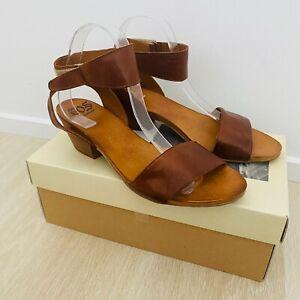 Eos Cubo W Women's Brandy Shoes New In Box Size 41 Low Heel Sandals