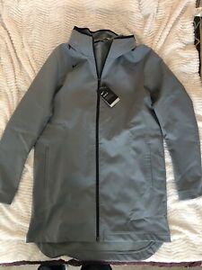 Nike Shield Men's Long Water Repellent Rain Basketball Jacket AJ6719 Gray L Tall