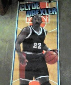 BASKETBALL SPORTS POSTER 1996 CLYDE DREXLER  (STILL SEALED) NEW!