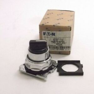 EATON 10250T1311 Selector Switch (Series A3) 2 Position - w/ Knob - PPD Shipping