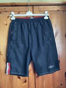 Umbro Mens / Boys Black Swim Shorts Size Small.