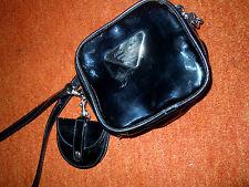 Exkl. schwarzes Lackledertäschchen ANDY BAGS mit 2 RV's Kartenfächer, Geldbörse
