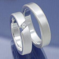 Diese Silber Trauringe präsentieren die Verbundenheit zweier MenschenTrauringe a