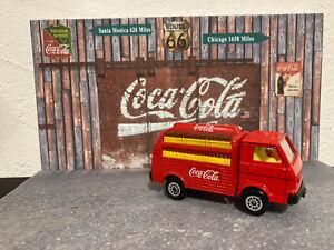1/87 petit Camion de Livraison Coca-Cola rouge casiers TBE + diorama Coca 1/43