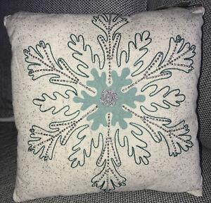Shama Holiday Christmas India Hand Beaded Winters Evergreen Snowflake Pillow New