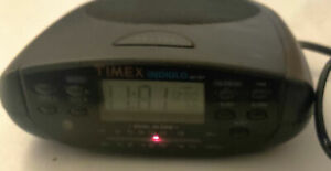 Timex Indiglo T433B Dual Alarm FM/AM Calendar Clock Radio Tested & Works
