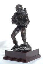 accovacciato Afghan MEDICO Figura - MILITARE bronzo resina statua scultura