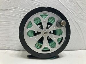 Vintage SAL-TROUT PFLUEGER NO. 1554  Fly Fishing Reel