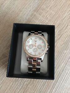 Hübsche Uhr Damen Silber Roségold