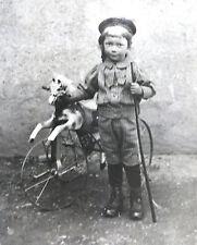 ENFANT et TRICYCLE CHEVAL, photographie ancienne, petit garçon, carte photo .