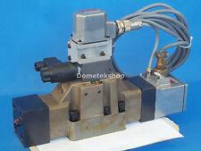Moog B97012-024 J662C120 J061-111A Hydraulic Valve Unit