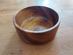 Vintage Wooden Large Fruit Salad Bowl. Centre piece. 25cm diameter. 10cm tall.