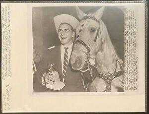 1955 UPI Telephoto-Wisconsin Badgers Alan Ameche Heisman Trophy Winner