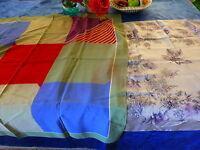 lot== 2 beaux foulards vintage soie et crépe de soie