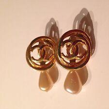 Auth CHANEL Earrings CC Logo Pearl Gold Tone