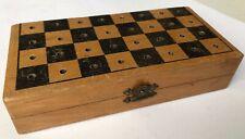 altes  kleines Schachbrett klappbares Schachspiel in Holzkiste,