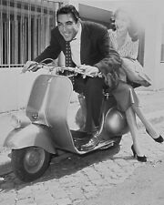 "Anthony Quinn Vespa Scooters Mods 10"" x 8"" Photograph"