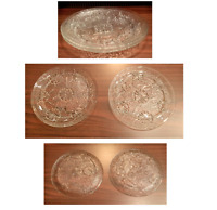"VINTAGE Arcoroc 2-Piece Clear Glass 10"" Dinner Plates Embossed Flowers"