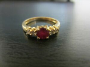 Natural RUBY & Diamond Ladies Ring 14K yellow gold, Size 6 1/2-7.