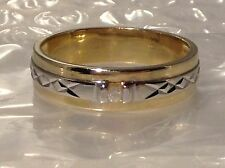 STUNNING 9ct YELLOW GOLD PATTERNED DIAMOND SET RING - SIZE Y