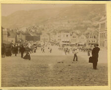 PHOTO ANCIENNE - VINTAGE SNAPSHOT - BERGEN LA GRAND PLACE NORVÈGE - NORWAY