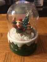 Penguin Christmas Electronic Snowglobe