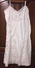 Vintage Womens Venus Form White Slip Size 40 Eyelet Trim Long Below Knee