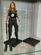 HOT TOYS 1/6 TERMINATOR 2 MMS125 T-1000 IN SARAH CONNOR DISGUISE FIGURE
