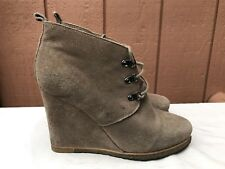 Steve Madden Tanngoo Suede Wedge Booties Size US 9.5 Ankle Boots Beige Lace Up