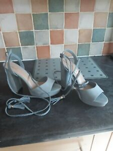 Lovely Leather Shoe/sandle Size 7 New