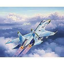 Revell Level 3 03948 - Suchoi Su-27 Flanker 1:144 Scale Kit - Brand New !!