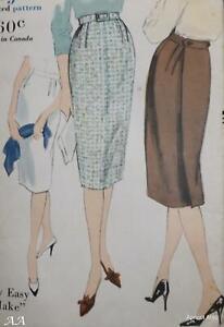 Vintage Vogue Pattern 9896 1950's Back Pleat Skirt Size 25ins Waist Unused FF