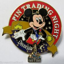 Disney DLR Pin Trading Night Collection Mickey Mouse 3D Castle Dangle Pin **