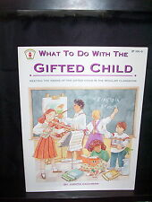 WHAT TO DO WITH THE GIFTED CHILD - JUDITH COCHRAN - SC