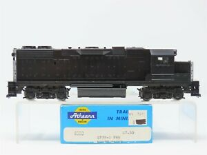 HO Scale Athearn 4600 Undecorated GP38-2 Diesel Locomotive