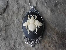 BEE CAMEO NECKLACE - ROSES SETTING - 925 PLATED CHAIN - UNIQUE - BUMBLE BEE