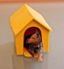 Starlux Plastic Dog IN Its Kennel Years 60 Animal