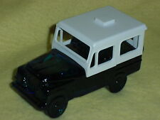 Vintage Avon Extra Special Male Deep Woods After shave Jeep Decanter 3 FL. OZ.