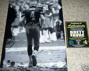 GREEN BAY PACKERS BRETT FAVRE 4 AUTOGRAPHED SIGNED TUNNEL 11x14 PHOTO FARVE COA