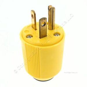 Cooper Nylon Yellow Straight Blade Plug NEMA 5-20P 20A 125V 2-Pole 3-Wire 3829-3