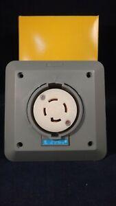 HUBBELL WIRING DEVICE-KELLEMS HBL2720SR2 30A Locking Receptacle 3P 4W 250VAC