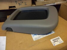 n°gm178 couvercle console centrale escalade avalanche tahoe 88986667 neuf