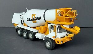 FIRST GEAR OSHKOSH Front Discharge Cement Mixer Truck 1/34 Scale 19-2964 NICE!