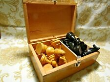 VINTAGE HAND MADE WOODEN CHESS PIECES IN WOODEN BOX/complete